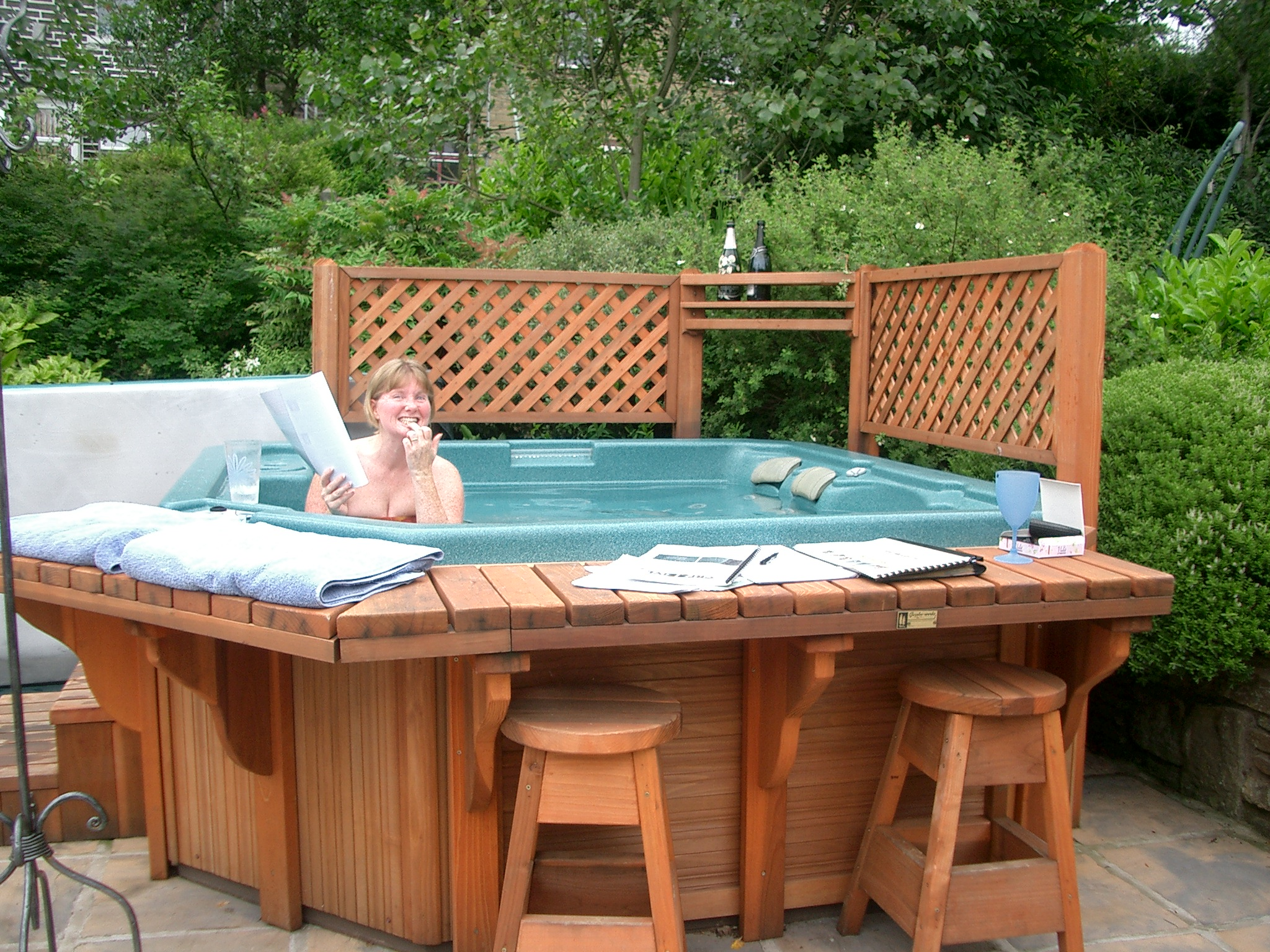 ... Tracey In The Hot Tub